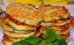 Home Cooking: delicious and easy Pumpkin fritters Pumpkin Fritters, Pumpkin Pancakes, Supper Recipes, Side Dish Recipes, Zucchini In The Oven, No Salt Recipes, Russian Recipes, Vegetable Recipes, Food Dishes