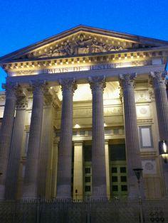 Nîmes . Palais de justice