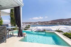 The Kivotos Mykonos Hotel offers Luxury Rooms, Luxury Suites and Luxury Villa accommodations in Mykonos in the famous Ornos beach area. Boutique Hotel Mykonos, Mykonos Luxury Hotels, Luxury Suites, Ornos Beach, Sauna Shower, Billiards Pool, Luxury Rooms, Pool Bar, Pool Towels