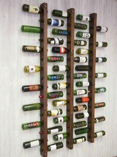 Uniek wijnrek van hout met drie banen