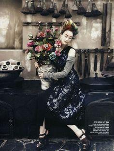 Fashion into Crafts I Vogue Korea I August 2013 I Models: Lee Hyun-Yi, Lee Hye-Jung, Song Hyung-Ah, Park Sera I Photographer: Kang Hyea-Won.