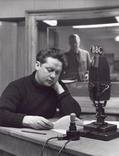 Dylan Thomas by John Gay, - Welsh poet and writer. Dylan Thomas, John Gay, I Robert, Writers And Poets, Book Writer, National Portrait Gallery, Famous People, Famous Men, Good People