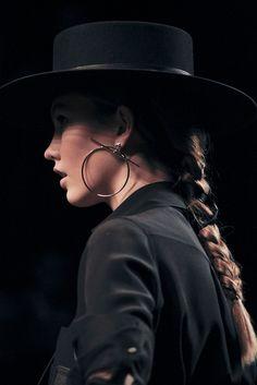 Amo os chapéus em estilo hispânico!