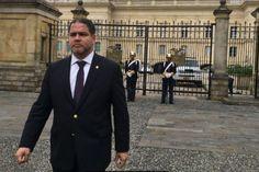 <p>Este jueves el presidente de la Comisión de Política Exterior del Parlamento venezolano, diputado Luis Florido, se reunió con el presidente de Colombia, Juan Manuel Santos, para tratar la situación de represión que vive Venezuela por parte de Nicolás Maduro y tratar las soluciones al conflicto.</p>