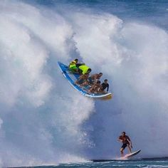 Surfing holidays is a surfing vlog with instructional surf videos, fails and big waves Big Waves, Ocean Waves, Jamie O Brien, Wind Surf, Big Wave Surfing, Surfing Pictures, Roller Coaster Ride, Surf City, Windsurfing