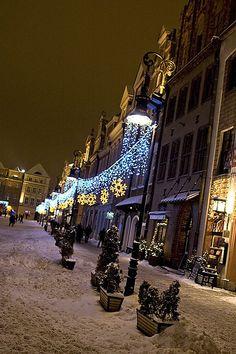 Poznan At Night #Poland via flickr