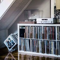 It's a Man's World Interior design is the art and science of enhancing the inner Vinyl Record Player, Vinyl Record Storage, Vinyl Shelf, Turntable Setup, Vinyl Room, Audio Room, Cassette, Kallax, Home Studio