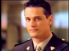 Why do I have this thing for men older than my mother? Love me some Paul Gross circa 1994