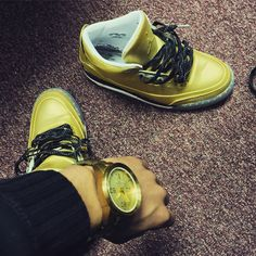 All gold 3s