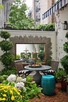 Urban Garden Design - In March I shared some drool worthy outdoor spaces; seriously aspirational furnished backyards, patios, and decks. I also briefly mentioned that our apartment has two small balconies, only one of w… Small Courtyard Gardens, Small Courtyards, Small Gardens, Outdoor Gardens, Terrace Garden, Courtyard Ideas, Small City Garden, Garden Seat, Courtyard Design