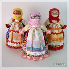 Славянские куклы обереги - Кукландия Sarah Kay, Russian Folk, Doll Costume, Doll Tutorial, Doll Maker, Doll Crafts, Christmas Cross, Fabric Dolls, Little People