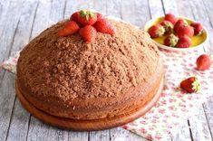 ΚΕΪΚ ΒΟΥΝΟ ΜΕ ΦΡΑΟΥΛΕΣ - paxxi Greek Cake, Sweets, Desserts, Cakes, Food, Tailgate Desserts, Deserts, Gummi Candy, Cake Makers