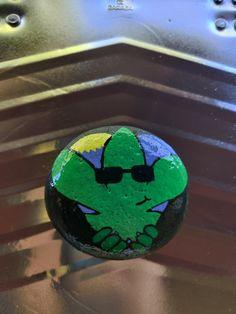 Peek-a-boo pot leaf ✌️💚 $20 + shipping and handling Painted Rocks For Sale, Hand Painted Rocks, Peek A Boos
