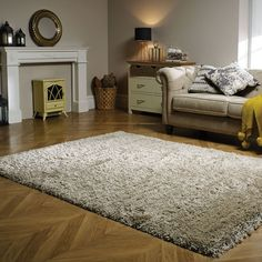 The Albany rug from Flair Rugs features a luxuriously thick shaggy pile. This deep 100% polypropylene rug is soft and durable, perfect for any home.