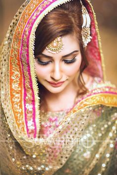 70 Beautiful Ideas for Asian Bridal Makeup Looks - VIs-Wed Pakistani Mehndi Dress, Pakistani Wedding Outfits, Bridal Outfits, Wedding Hijab, Desi Wedding, Formal Wedding, Dulhan Dress, Pakistani Dresses, Wedding Bride