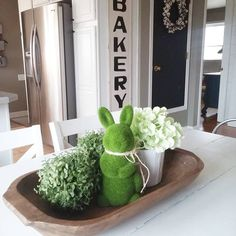 Loving this beautiful center table display. Love our Bakery sign hanging in the background! #decoraatingideas #homedecor