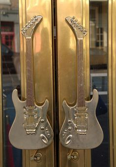 Guitar door handles