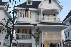 4BR Fantasia Villa For Rent (BR7984SH) This 4 bedroom, 3 bathroom Bangkok single house is now available for rent at 75,000 Baht per month