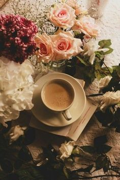 cup of tea Coffee And Books, Coffee Love, Coffee Photography, Art Photography, Cute Backgrounds For Phones, Coffee Tumblr, Book Flowers, Flower Phone Wallpaper, Aesthetic Pastel Wallpaper