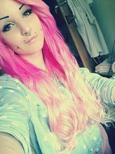 #pink #pinkhair #pincsi #piercing #piercings #scene #makeup #tattoo