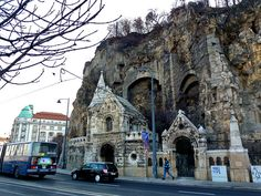 Rock Church, Budapest, Hungary (is free) Beautiful Buildings, Beautiful Places, Places To Travel, Places To See, Wachau Valley, Les Balkans, Capital Of Hungary, Hungary Travel, Central Europe