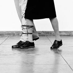 Helena Almeida par Marta Gili et Noémie Goudal du 17 avril 2016 - France Inter Conceptual Photography, Conceptual Art, Art Photography, Timeless Photography, Contemporary Photography, Performance Arte, Marina Abramovic, Paris Art, Female Photographers