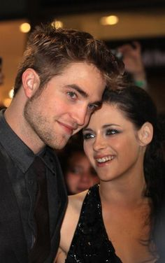 Breaking Dawn Stars robert pattinson and Kristen Stewart