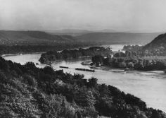 © August Sander, view on the Island Nonnenwerth, 1930