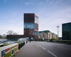 Büroturm von LAN Architecture
