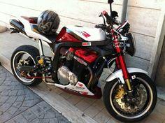 Suzuki streetfighter Ninja Motorcycle, Motorcycle Design, Moto Suzuki, Suzuki Gsx, Gsxr 1100, Custom Street Bikes, Speed Bike, Street Tracker, Street Fighter