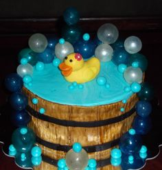 Bath / ducky theme baby shower cake.