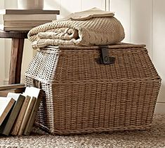 Pottery Barn Teen's decorative storage bins and baskets feature fun and stylish storage solutions. Find canvas, woven, and wire storage bins to help stay organized. Casas Country, Traditional Baskets, Ideas Prácticas, Basket Tray, Basket Ideas, Vintage Baskets, French Baskets, Pottery Barn Teen, Decorative Storage