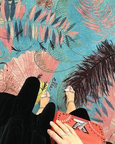 Annonce | Vores 33. meter lange 'CabarELLE' løber fra @egecarpets med @cecilierudolph smukke print er rullet ud champagnen hældt op og vi er klar til at byde vores gæster velkommen til ELLE Style Awards 2017  #ellestyleawardsdk #egecarpets #cecilierudolphprint #cabarelle  via ELLE DENMARK MAGAZINE OFFICIAL INSTAGRAM - Fashion Campaigns  Haute Couture  Advertising  Editorial Photography  Magazine Cover Designs  Supermodels  Runway Models
