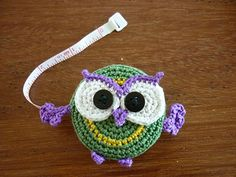 Use this cute little owl for tape measure cover or applique - use your stashbuster yarn - free CROCHET pattern - too adorable - what a hoot!