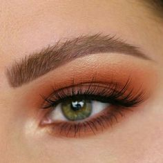 Warm smokey eye.