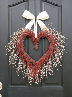 Heart Shaped Wreath - Valentine Wreath - Red and White Heart.- Heart Shaped Wreath – Valentine Wreath – Red and White Heart Wreath - Valentine Day Wreaths, Valentines Day Decorations, Valentines Diy, Christmas Wreaths, Printable Valentine, Christmas Door, Christmas Ideas, Christmas Gifts, Unique Front Doors