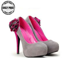 Eleganter grauer Pumps