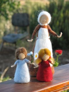 Items similar to Needle Felted Root children - Sibylle von Olfers Inspired on Etsy Waldorf Crafts, Waldorf Dolls, Crafts To Do, Felt Crafts, Wet Felting Projects, Bear Felt, Wool Dolls, Wool Needle Felting, Felt Fairy