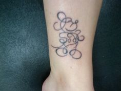 Mickey Mouse scribble tattoo. Not that I would get a tattoo, this is just do adorable.