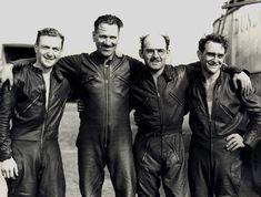 PHOTOS de COURSES 1950 / 1960 – Le Blog de François Fernandez Manx, Bugatti, Peugeot, Motorbike Racers, Biker Leather, Biker Style, Motorbikes, Vintage Men, Honda