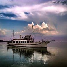 Naplemente fények Badacsonyban / Sunset lights at Badacsony (Lake Balaton), Hungary Central Europe, What A Wonderful World, Rafting, Budapest, Wonders Of The World, Amazing Photography, Countryside, Places To Go, Beautiful Places