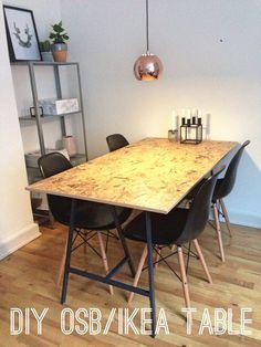 Prosty stół z płyty osb. Czarne nogi + czarne krzesła=total look :)