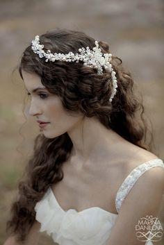 Brides Circlets Handfastings Weddings:  Beautiful white circlet and loose hair.