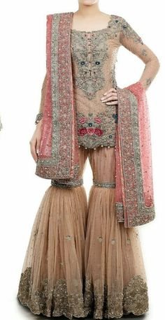 Latest Bridal Gharara Designs 2017 Find here stylish and trendy partywear Sharara designs thats most famous in this wedding seasion Pakistani Wedding Outfits, Bridal Outfits, Pakistani Dresses, Indian Dresses, Indian Outfits, Bridal Dresses, Wedding Dress, Red Lehenga, Party Wear Lehenga