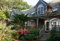 Why yes, I think this cottage in East Hampton would be lovely in the summer!