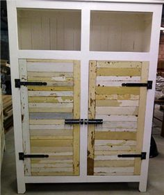 This closet is made of recycled wood. Different colors makes it special  Sold by www.silo6.nl in the Netherlands