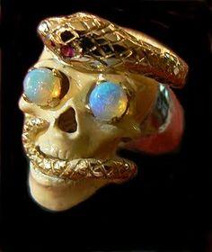 ☠ Memento Mori Skull Ring ☠