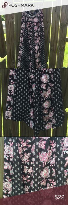 ✨NWOT AE dress flowy dress, very comfy, cute patterned design, ties up in the back!! worn only once, practically brand new!! very very flowy, the size only applies in the upper chest area, otherwise loose fitting     Ridiculous offers will be declined or countered with a reasonable bargain. I'm saving up for college, so every dollar counts. I stay as reasonable and cheap as possible when listing original prices. Dresses