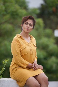 Indian Actress Pics, Indian Bollywood Actress, Beautiful Bollywood Actress, South Indian Actress, Indian Actresses, Beauty Full Girl, Cute Beauty, Beauty Women, Beautiful Girl Indian