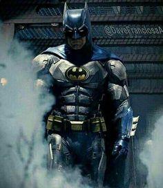 Batman Batman Dark, Batman The Dark Knight, Batman Vs Superman, Batman Robin, Héros Dc Comics, Batman Suit, Hq Dc, Batman Artwork, Univers Dc